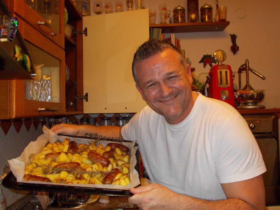 Salsicce e patate al forno i primi di ale for Cucinare wurstel al forno