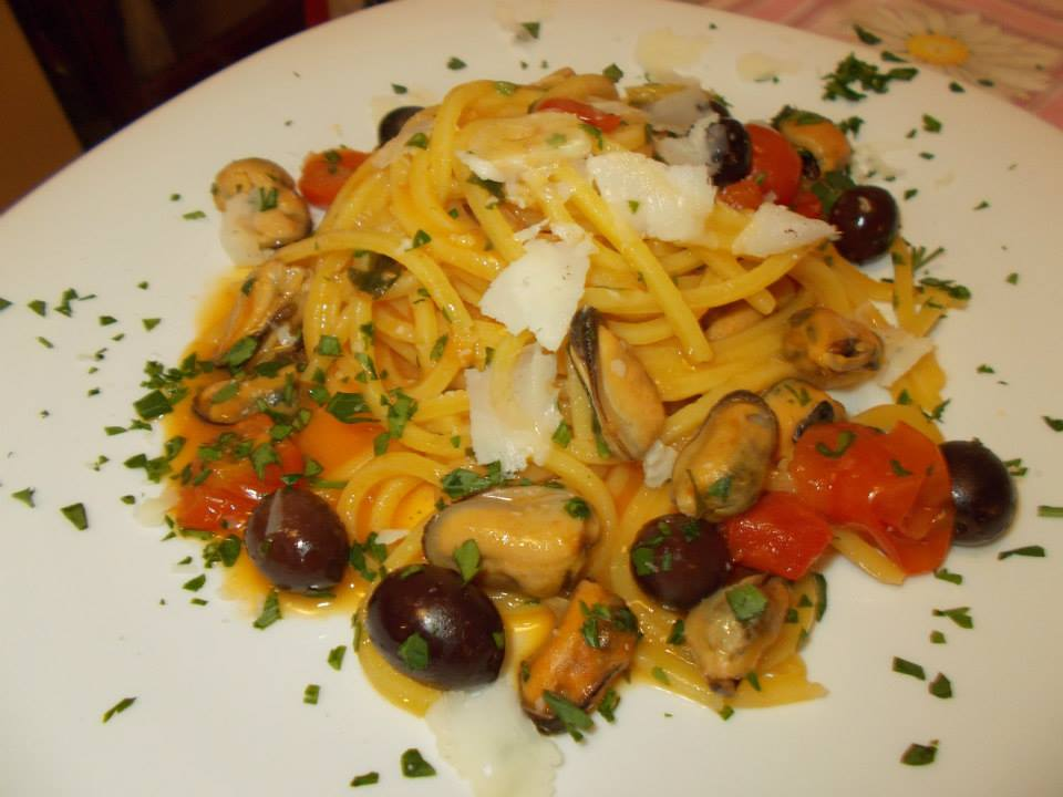 Tonnarelli cozze,pomodorini pachino e olive di Gaeta